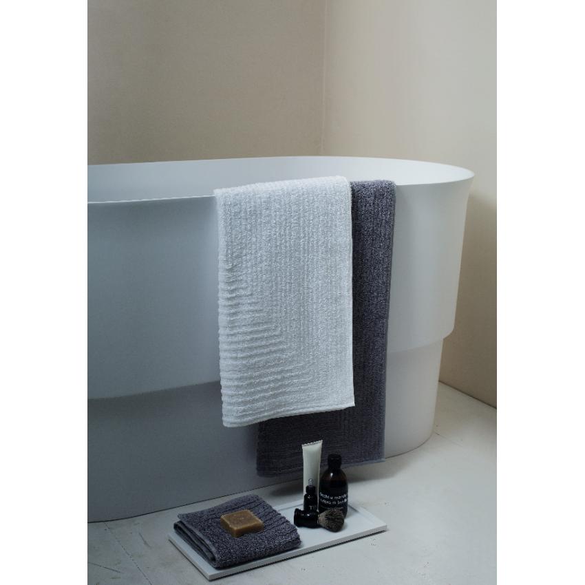 Set 3 asciugamani con accappatoio Svad Dondi TIMES SQUARE - prezzo