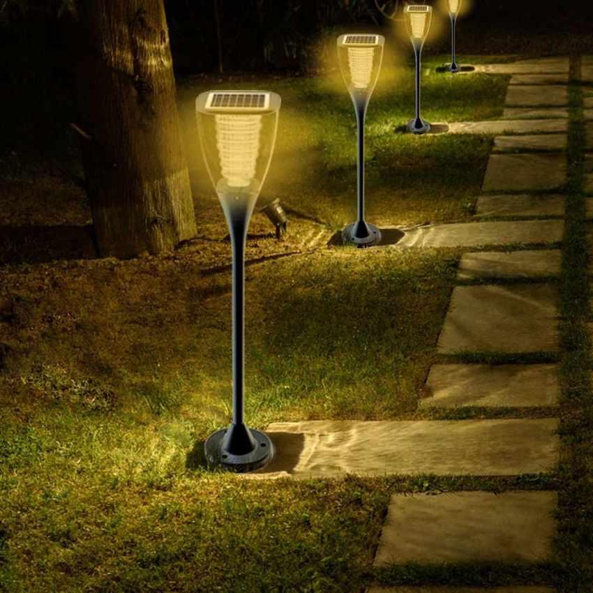 Lampione led a energia solare per giardini esterni villa for Illuminazione da giardino a led