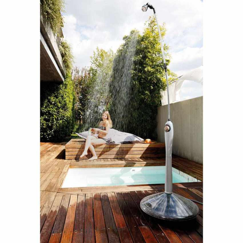 Doccia portatile riscaldata a energia solare piscina - Doccia solare per piscina ...